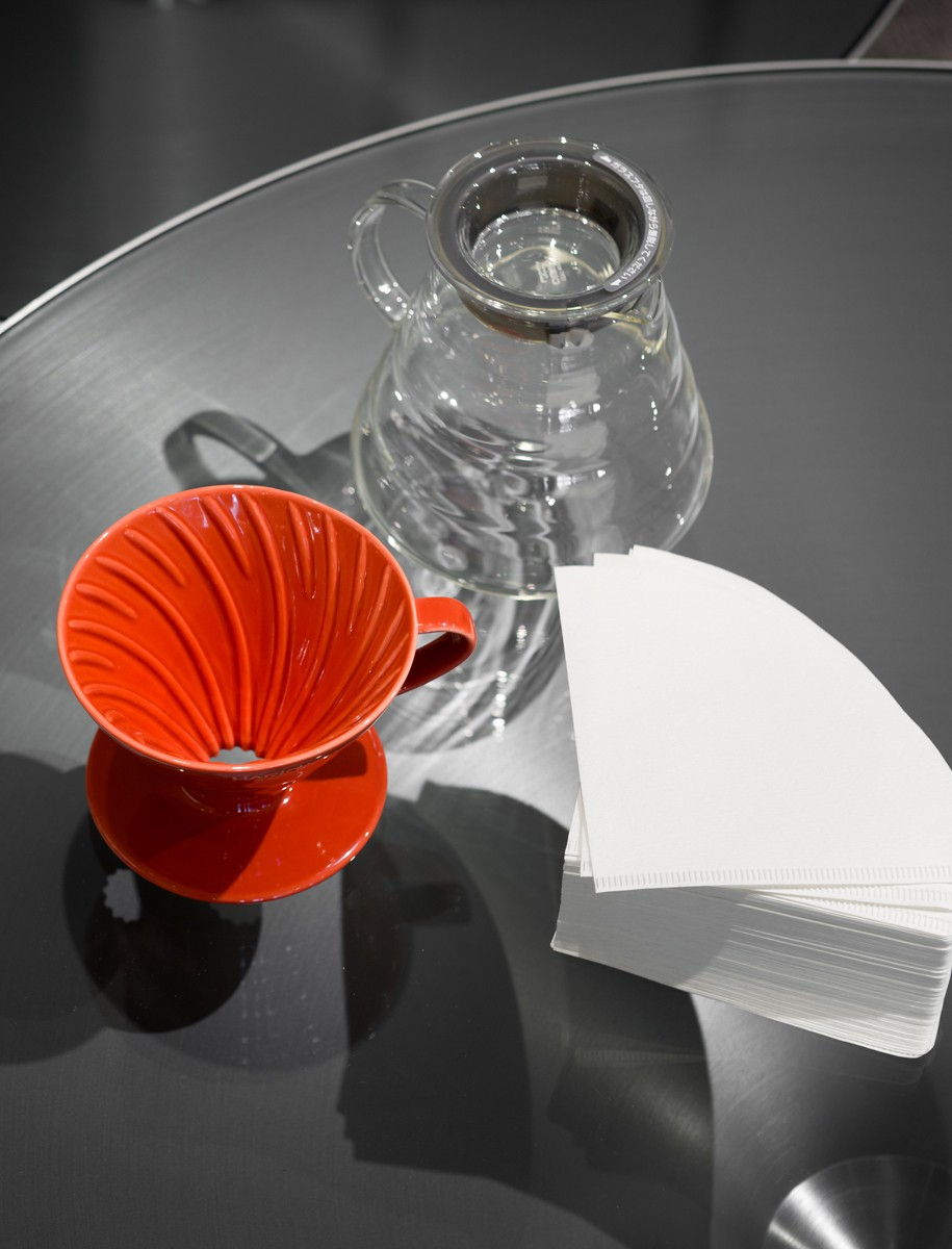 Hario V60 Glass Server Bundle w/ Dripper & Filters